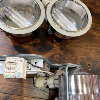 中古美品です‼️蛍光灯ダウンライト照明器具 3個セット〔メーカー...