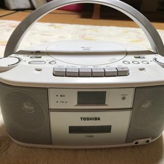 CD.カセット、ラジオ付き