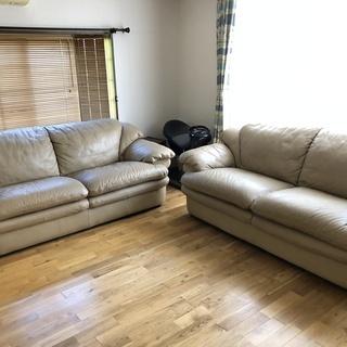 セットで10,000円♪ 大きなソファー