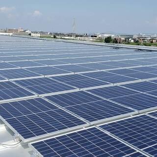 太陽光発電工事作業員
