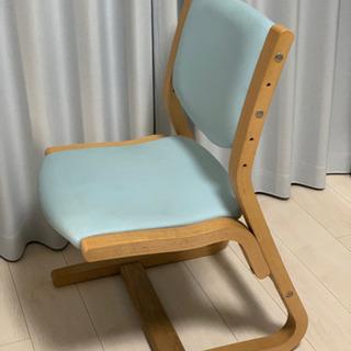 学習椅子  ベネッセカリモク