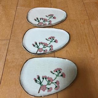 和菓子用のお皿3枚