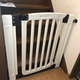 日本育児 ベビーゲート 拡張フレーム2本付き ファミリーゲート