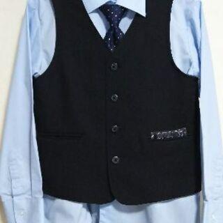 値下げ❗男の子用130スーツ(ベスト)