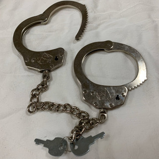 おもちゃの手錠 鍵2つ付