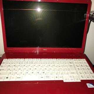 パソコン LaVieレッド