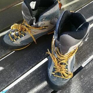 ガルモントのゴアテックス登山靴