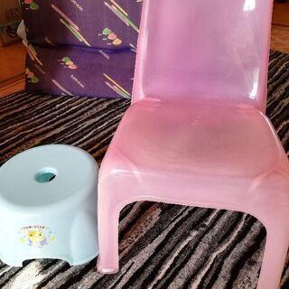 キッズ用椅子と保冷保温機能ケース