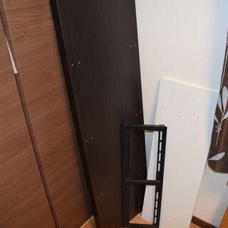 テレビ壁掛け金具(一部)、棚用板、金具