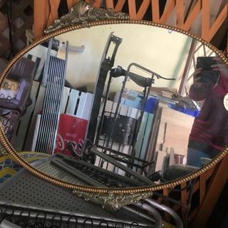 アンティークテイストの鏡