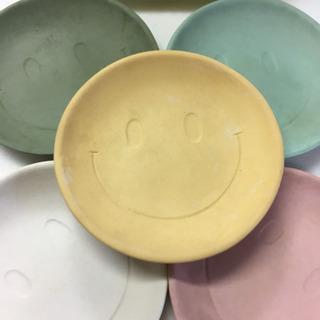 スマイリーのお皿5枚セット