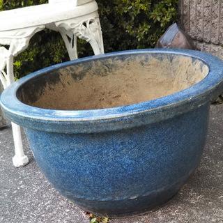 陶器・中古植木鉢(青色・大)無料・差し上げます。とりにいらして下...