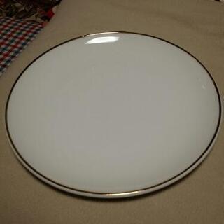 マスコットチャイナ製の金縁大皿18枚セット