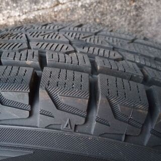 175/80R16ホイル·スタッドレスタイヤのセット