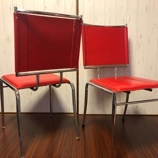 赤い椅子差し上げます