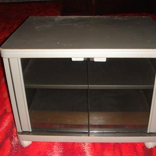 テレビ台(下部はビデオデッキを置くスペース)を差し上げます