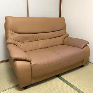 合成皮革?のソファーです。の画像