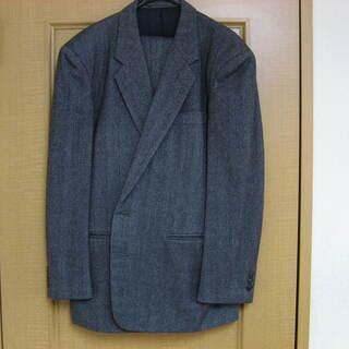 シングルのスーツ