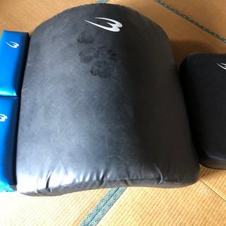 格闘技用 サンドバッグやビッグミットやグローブ諸々まとめて