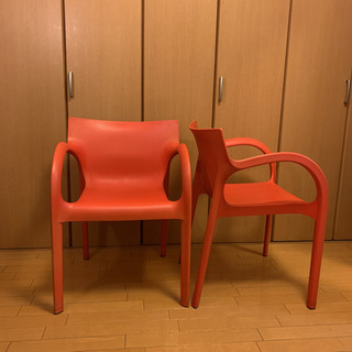 イタリア家具 赤プラスチックチェア 二脚