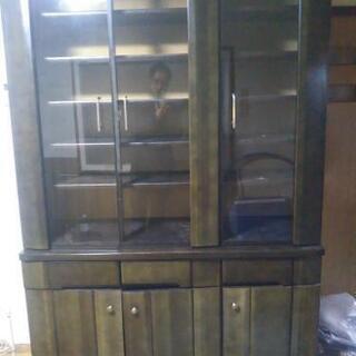 食器棚いりませんか?