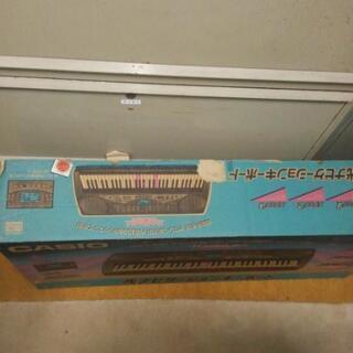 CASIOヒカリナビゲーション付きキーボード