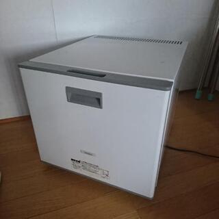 【取引中】ノンフロン電子冷蔵庫20L