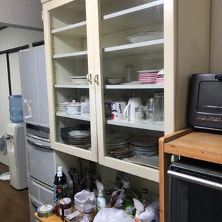 白い食器棚あげます。