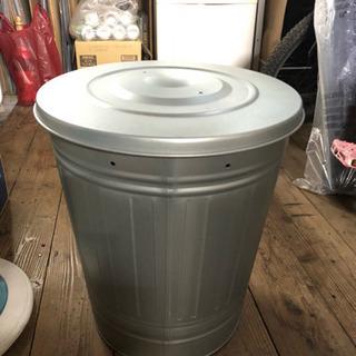 新品未使用 ステンレス製 蓋つき大バケツ 洗濯カゴ ゴミ箱 プラ...