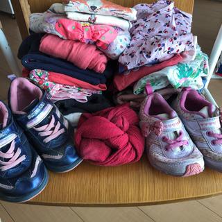 まとめて2歳から4歳★靴四足と服たくさん