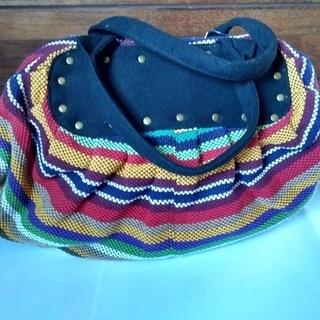 新品 民芸調手織りバッグ