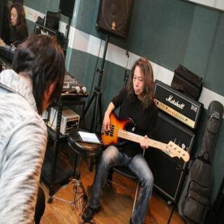 現役のプロミュージシャンが指導する音楽スクールです! − 東京都