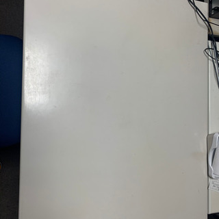 引越しのため、社長用椅子と机のセット譲ります。
