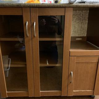 炊飯器置き場付き食器棚
