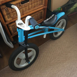 ランニングバイク ペダルなし自転車