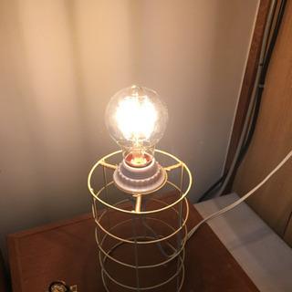 LED電球、レトロな雰囲気!