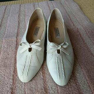 婦人用の靴23,5センチ
