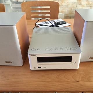 オンキョー CDコンポ X-U1