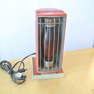 レトロな小型電気ストーブ 首を180度回転可能 東芝 SR-450