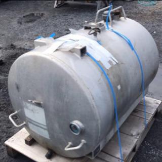 タンクローリー タンク アルミ 500Lくらい?