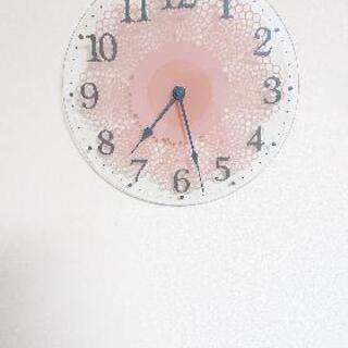ガラス製レース柄時計