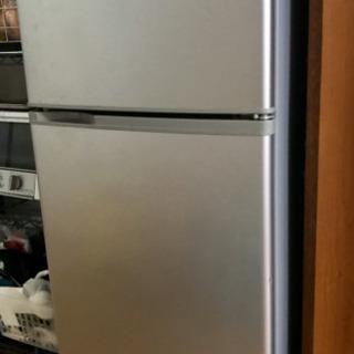 冷蔵庫を差し上げます(受け渡し予定者がいます)