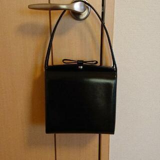 【未使用】黒いハンドバッグ