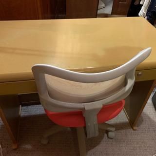 机と椅子差し上げます!
