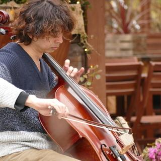 チェロ教室 初心者歓迎、楽器無くてもOKです。