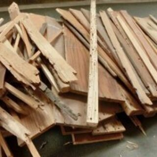 一般家庭お困りの廃家具 ウッドデッキ解体 廃材回収いたします。