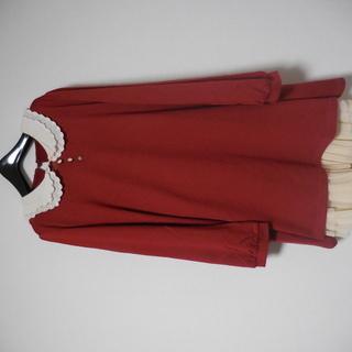 洋服(ワンピース2、スカート1、セーター1)4件
