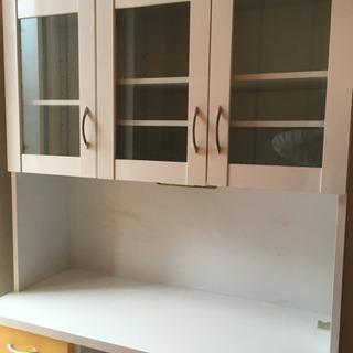 かわいい食器棚、冷蔵庫セット