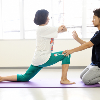 【猫背・O脚】無料カウンセリングで姿勢改善のスタートラインに立とう。