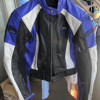 バイクスーツ (レーシングスーツ)
